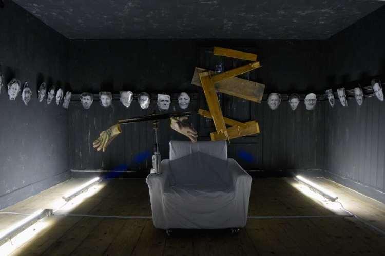 kunst-installation_martin-gut_raum-der-wut_1